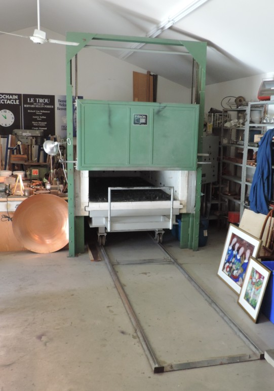 Specially designed kiln, created by Seguin Poirier to fire oversized pieces. Only kiln like it in the world.
