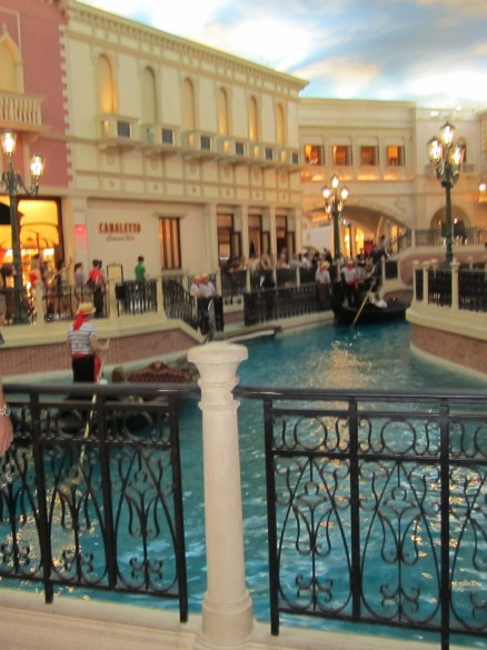 Grand Canal - along the walkway between the Palazzo and the Venetian